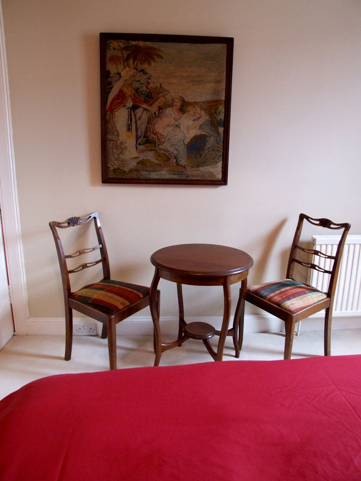 Master Bedroom Table And Chairs Chirnside Holiday Cottages